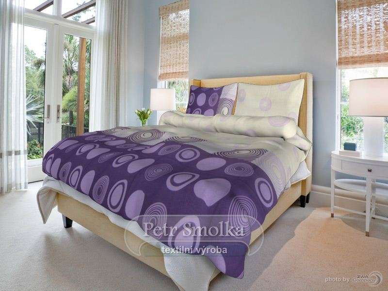 Bavlnené obojstranné obliečky fialovej farby so zaujímavým vzorom smolka