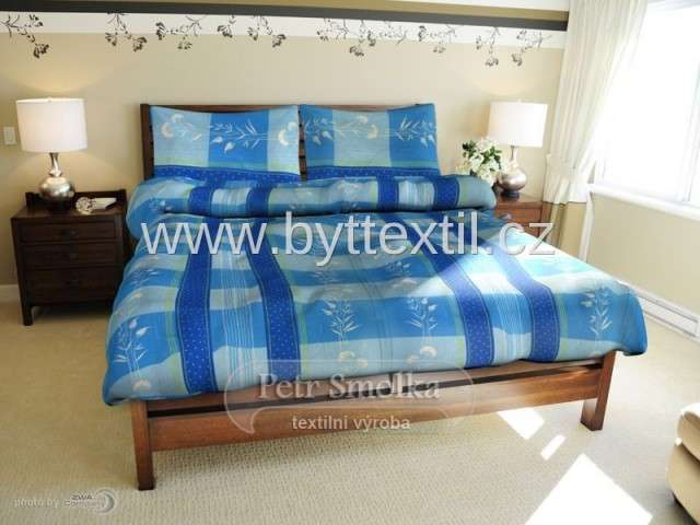 Bavlnené posteľné obliečky v modrej farbe, vzor lúčná tráva Smolka