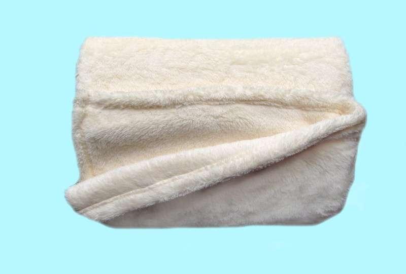 Žiadaná soft deka banánovej farby Dadka