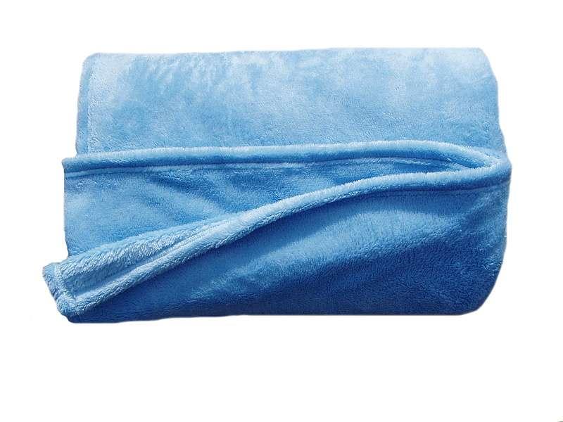 Žiadaná soft deka modrej farby Dadka