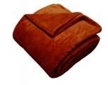Žiadaná soft deka tehlovej farby Dadka
