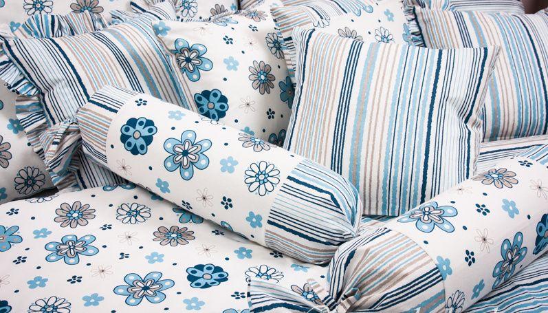 Kvalitné obliečky s modrým kvetom a prúžkom