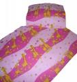 Obliečky krep do postieľky - Žirafa ružová