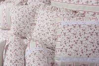 Bavlnené obliečky bordó kvietky s kombináciou zelených prúžkov český výrobce