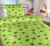 Krepové obliečky do postieľky s motívom lienok na zelenom podklade Dadka