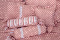 Obliečky vidieckeho štýlu ružovej farby s motívom bodiek český výrobce