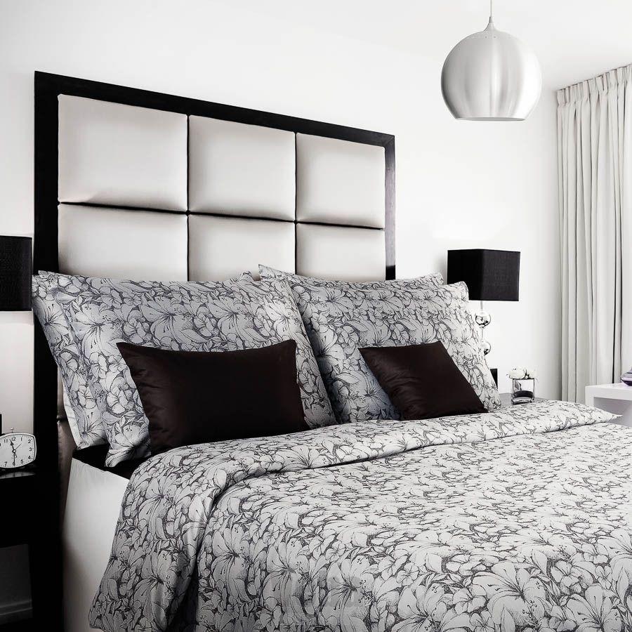 Luxusné obliečky Ornella šedočierna s motívom kvetov Veba