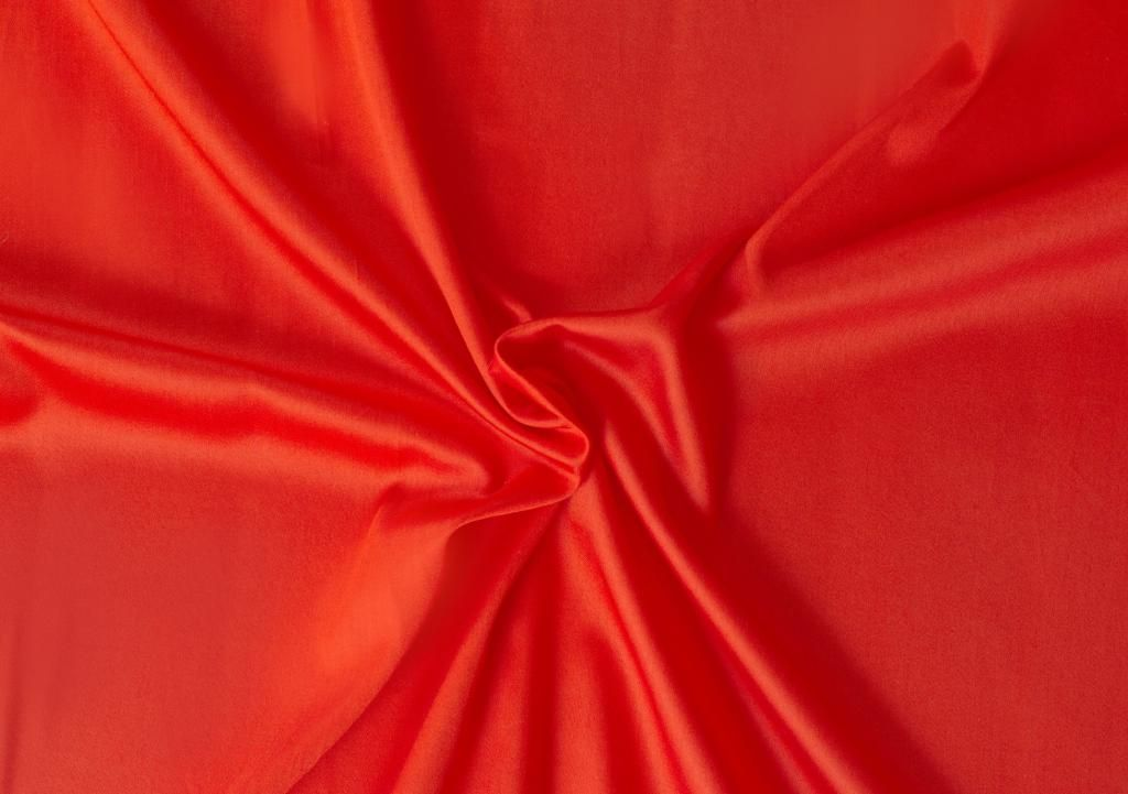 Kvalitná saténová plachta LUXURY COLLECTION v červenej farbe Kvalitex