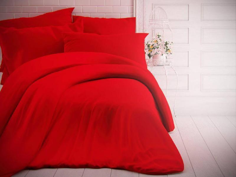 Červené jednofarebné bavlnené obliečky českej výroby Kvalitex