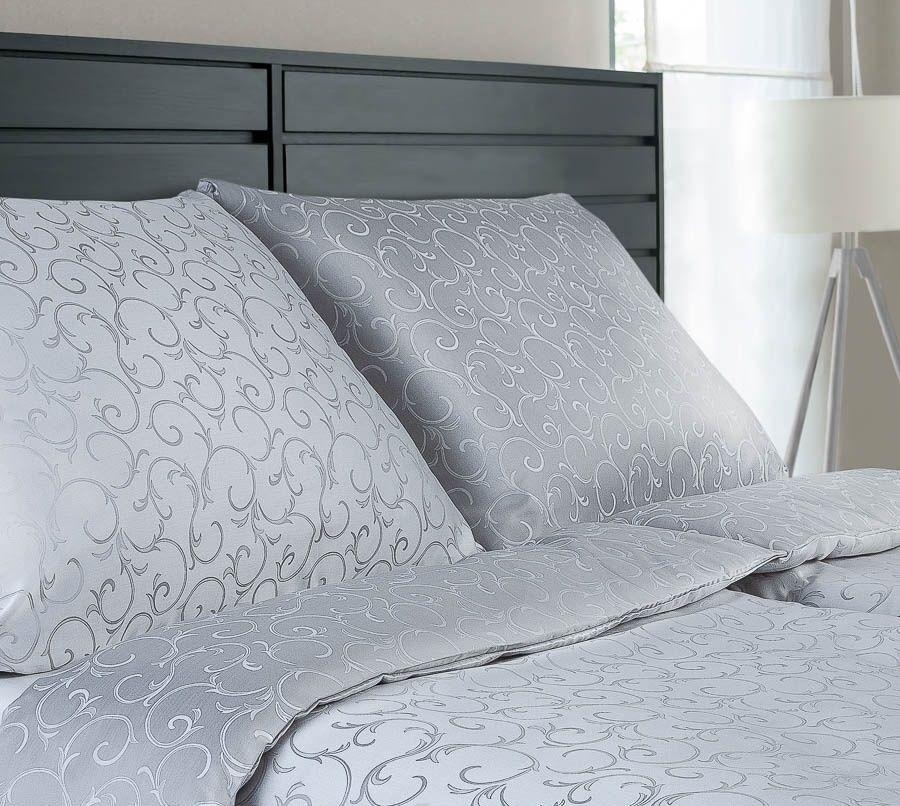 Luxusné damaškové obliečky šedej farby s jemným vzorom Dadka