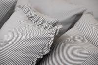 Krepové posteľné prádlo so vzorom průžku šedé farby
