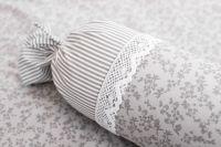 Poťah jednoduchý s drobným šedým průžkom a kvietkami
