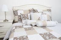 Krepové posteľné oblečky PATCHWORK NUGÁT / ornamenty