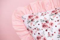 Povlak jednoduchý s drobným vzorom růže ladené do růžovej farby