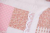 Poťah jednoduchý so vzorom patchworku a a béžových bodiek