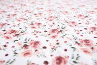Poťah s volánom so vzorom ruží