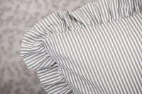 Flanelové posteľné prádlo so vzorom průžku a kvietku šedé farby