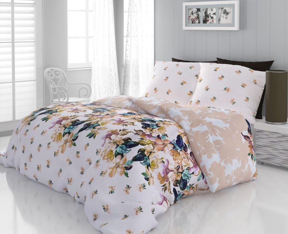 Kvalitné bavlnené obliečky s kvetinamy na svetlom podkladu. Kvalitex
