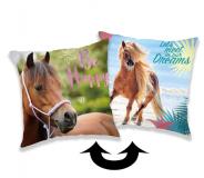 Vankúšik s motívom koňa v kombinácii s flitrami Horse heart 01 Jerry Fabrics