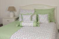 Povlak jednoduchý s drobným vzorom kvietkov a bodiek ladené do zelenej farby |  Poťah krepový jednoduchý , Poťah bavlnený jednoduchý