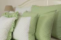 Povlak jednoduchý s drobným vzorom bodiek ladené do zelenej farby |  Poťah krepový jednoduchý , Poťah bavlnený jednoduchý