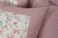 Poťah prešívaný so vzorem kvietku ladené do ružovej farby | Poťah prešívaný bavlnený, Poťah prešívaný bavlnený s krajkou, Poťah prešívaný krepový , Poťah prešívaný krepový s krajkou